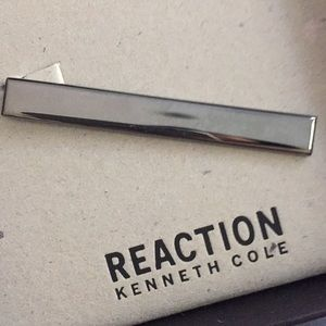 Brand new Kenneth Cole tie clip